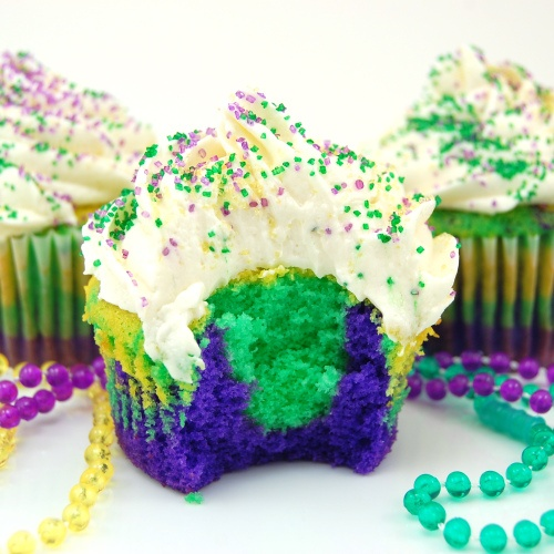 DIY Mardi Gras Cupcake