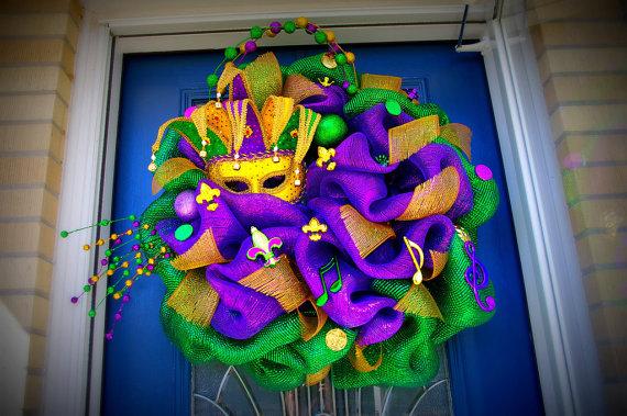 huge mesh Mardi Gras wreath