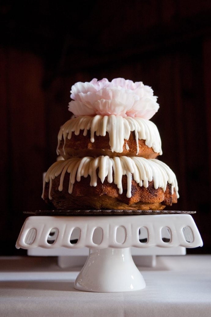 Peony topped wedding bundt cake-blovelyevents.com
