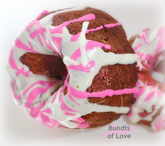 Dog Valentine bundt cakes