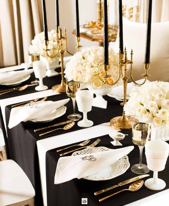 Gold and Black Oscar Party Table-blovelyevents.com