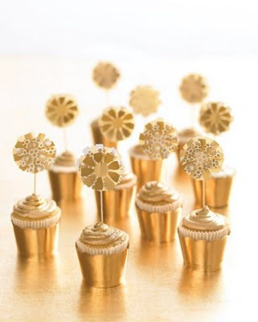 Gold and Champagne cupcakes for an Oscar Party