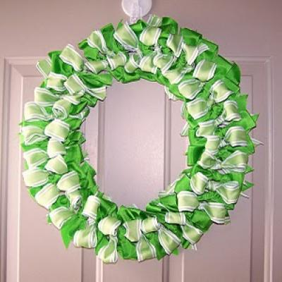 St. Patricks Day ribbon-wreath-tutorial