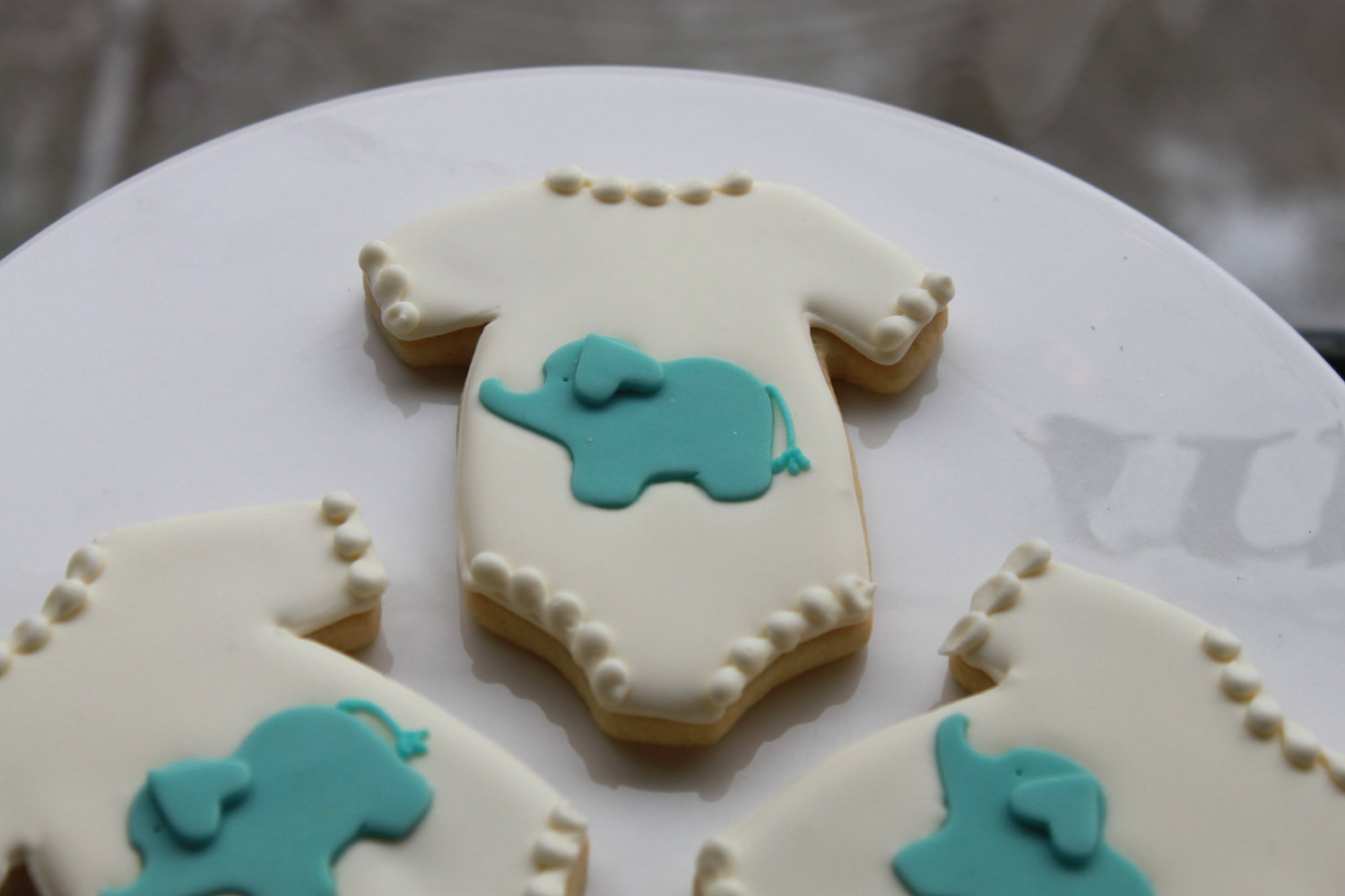 baby shower elephant onesie cookies