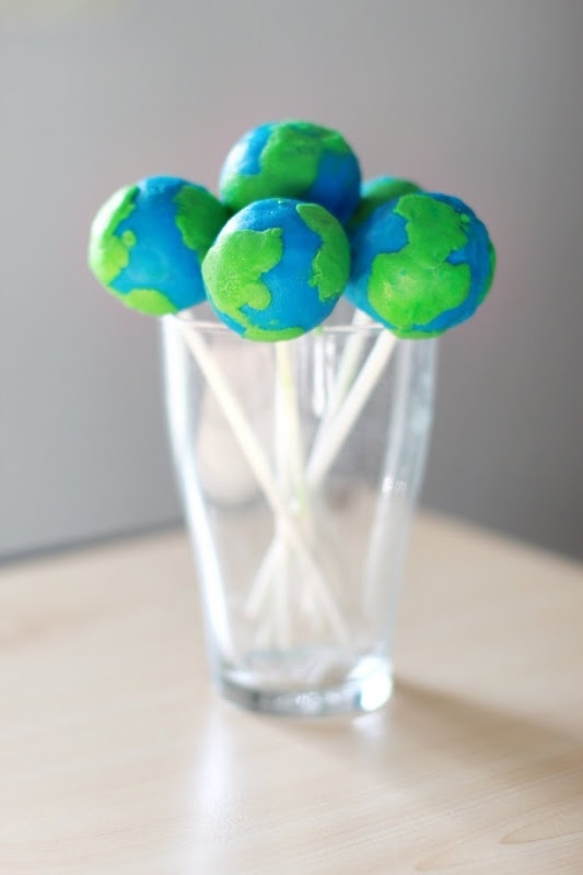 Earth day cake pops