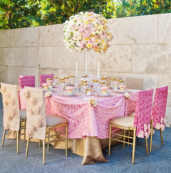 Gold and pink gorgeous and regal tablescape