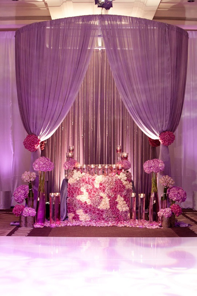 Gorgeous Sweetheart purple table