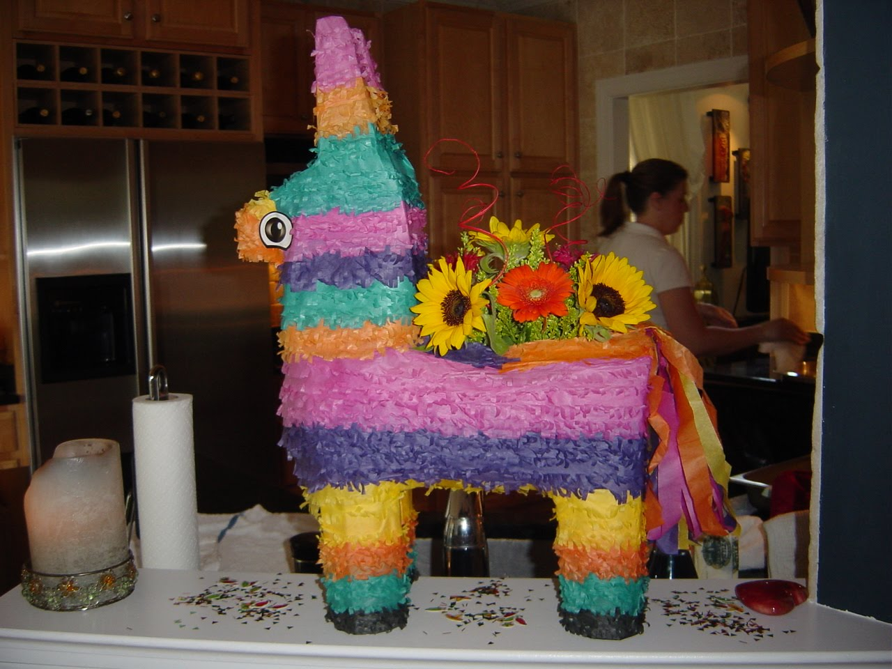 Fiesta centerpieces b lovely events for Decoration pinata