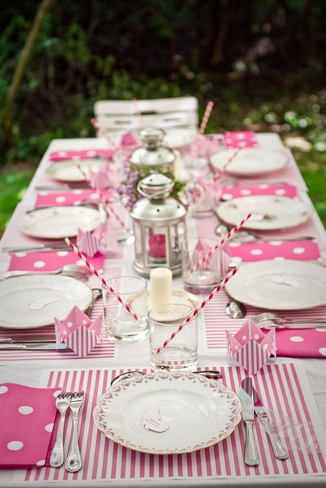 Fun and Whimsical Pink partyTablescape