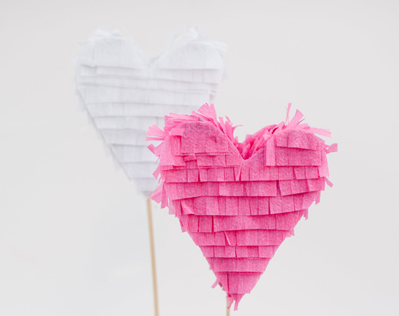 heart-pinata cake toppers