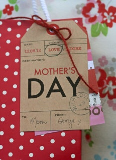 Love mother's day tag