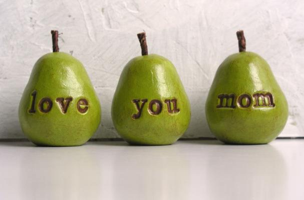 love you mom pears for mothers day