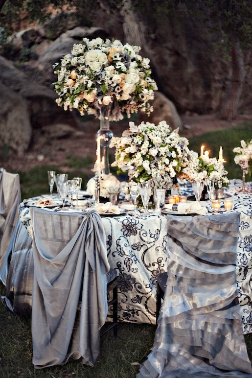 Lovely black and white vintage elegance tablescape