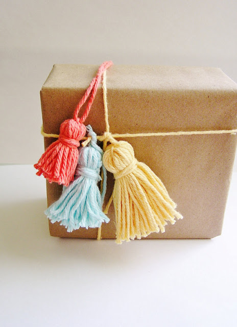 Yarn tassel for graduation party