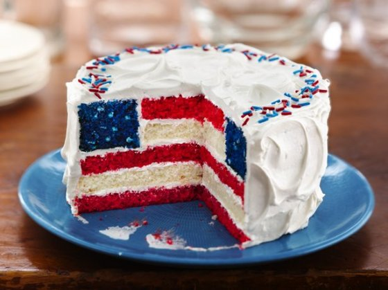 DIY red white and blue american flag cake