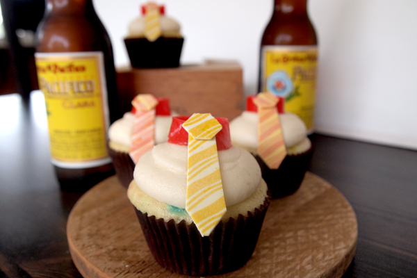 Father's Day Tie Cupcakes