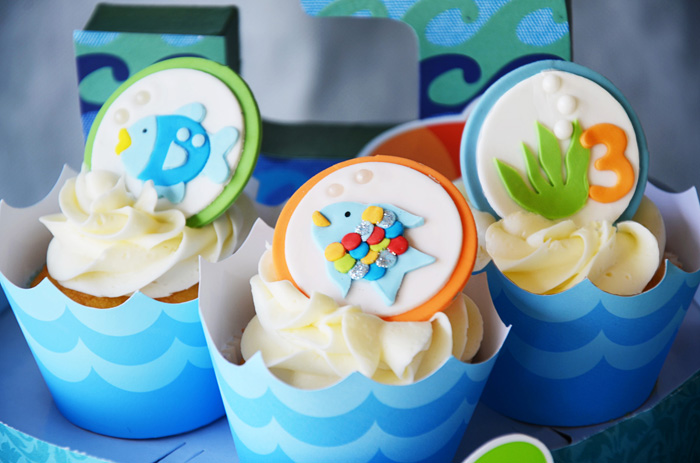 Fishy cupcakes great for a pool and beach party