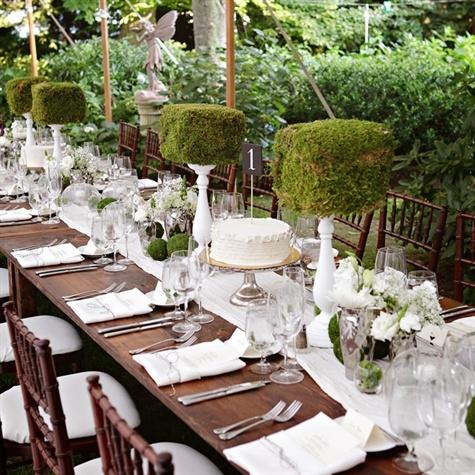 garden moss centerpiece green and white tablescape