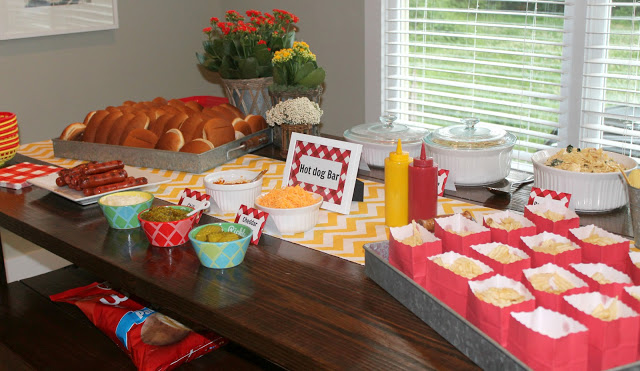 Hot dog bar. Love this for summer bbq!