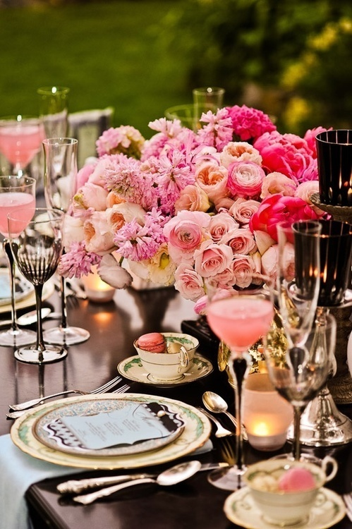 pink and black elegant tablescape