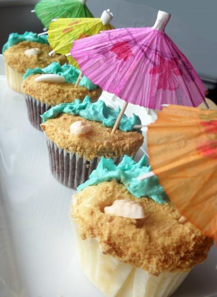 sandy beach cupcakes