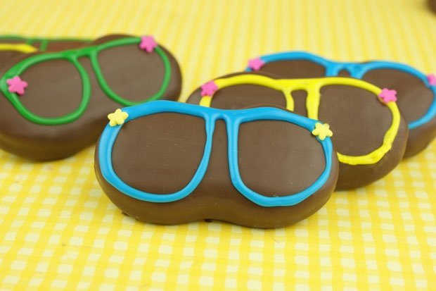 sunglass cookies-great for a pool and beach party