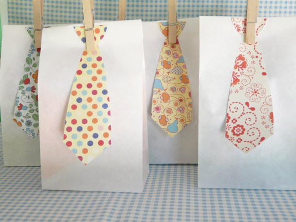 tie gift bags for Dads
