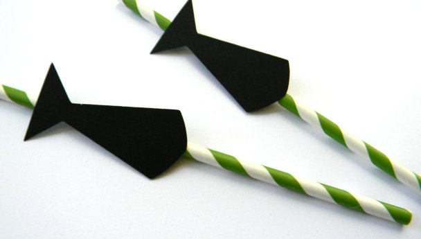 Tie straws for drinks for Father's Day