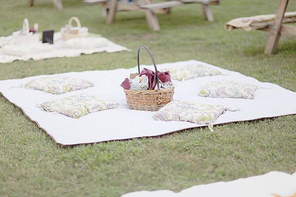 Too cute wedding picnic wedding ideas