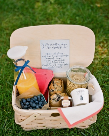 Wedding Gift Picnic Basket : ... for a lovely picnic basket. Saw this on Martha Stewart Weddings