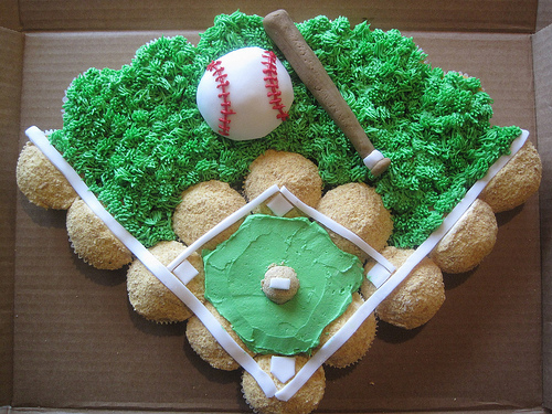 Baseball field cupcakes-this is amazing!
