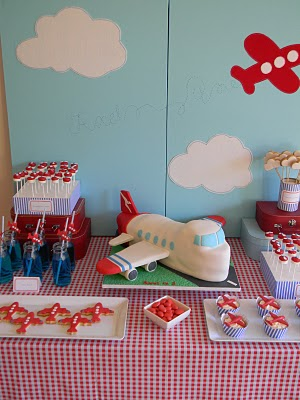 Love this airplane themed boys birthday