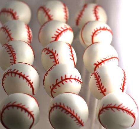 Love this baseball cake pops!