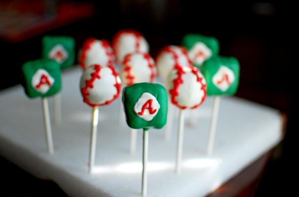 Mini Baseball team cake pops
