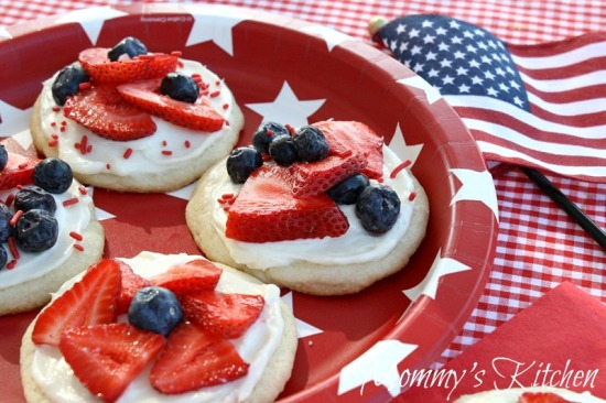 Mini fruit pizzas for 4th of July