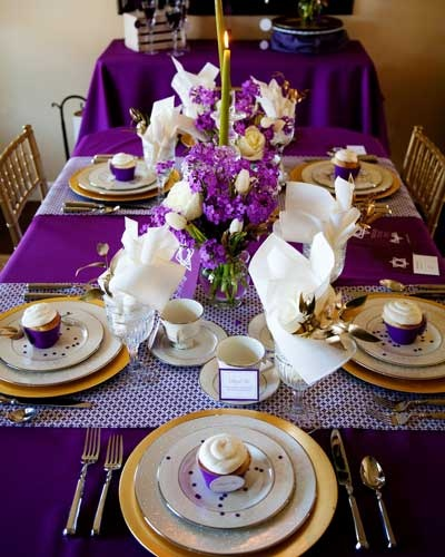 purple and gold party tablescape