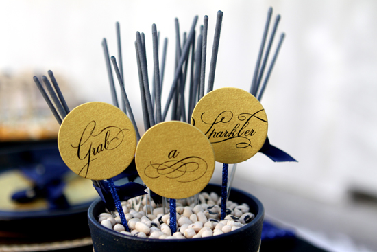Love this chic sparkler display