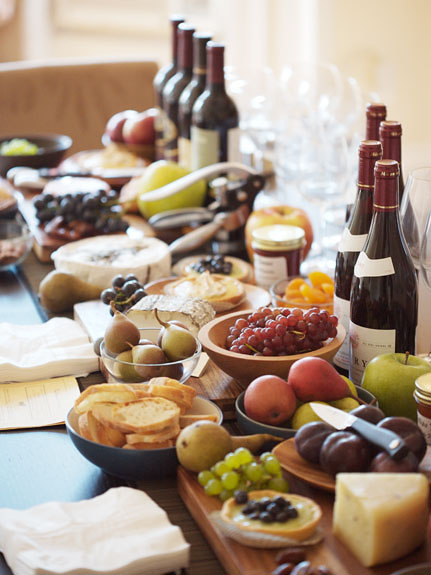 wine, cheese and fruit dinner party-lovely!