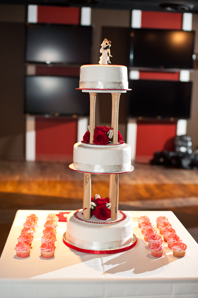 Beautiful Baseball wedding cake