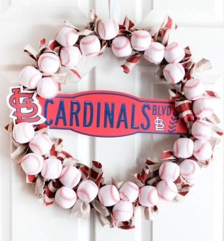 Love this DIY Baseball wreath